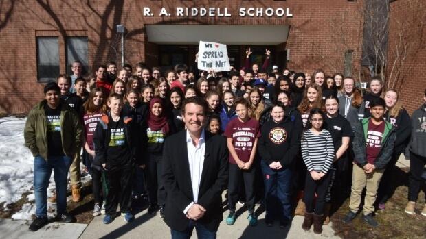 Rick Mercer visits R.A. Riddell Elementary
